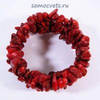 Браслет из крошки Красный Коралл тонированный на резинке