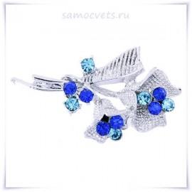 Брошь цветок сине - голубые Кристаллы