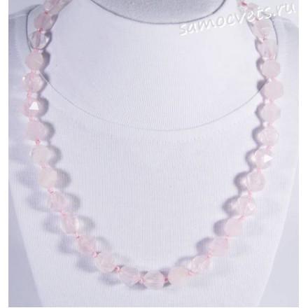 Бусы из розового кварца с крупной огранкой