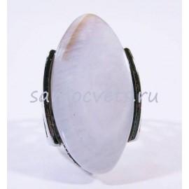 Кольцо с белым перламутром - овал