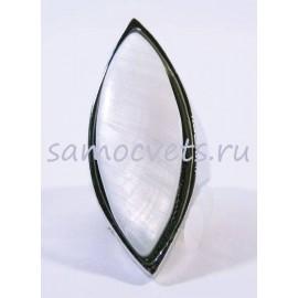 Кольцо с белым перламутром - маркиза