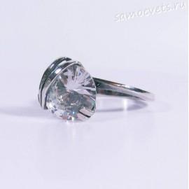 Кольцо с белым фианитом 12 мм