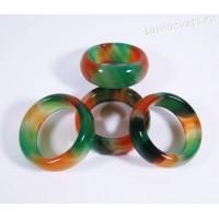 Кольцо из камня оранжево - зелёного агата 8 мм