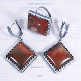 Комплект с Красной Яшмой кольцо + серьги ромб
