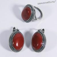 Комплект из красной яшмы кольцо + серьги