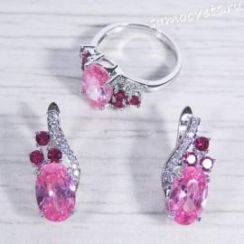 Комплект с розовыми кристаллами - Айназ