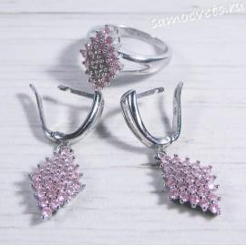 Комплект с розовыми фианитами серьги и кольцо ромб