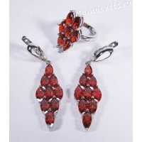 Комплект (серьги и кольцо) красные кристаллы ромб