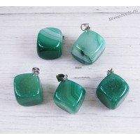 Кулон из зелёного агата - Кубик