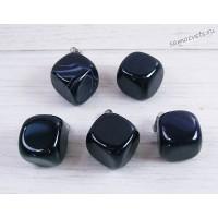 Кулон из чёрного агата - Кубик